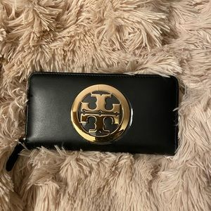 Tory Burch Charlie Continental ZIP Wallet